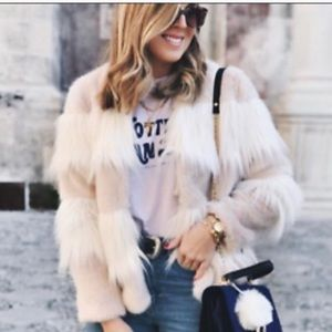 Zara faux fur coat size medium. NWOT